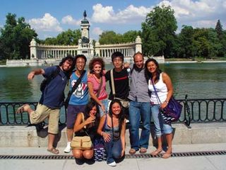 Madrid_dQ_group_statue