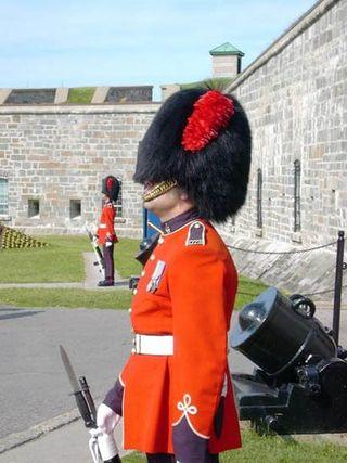 Quebec_guard