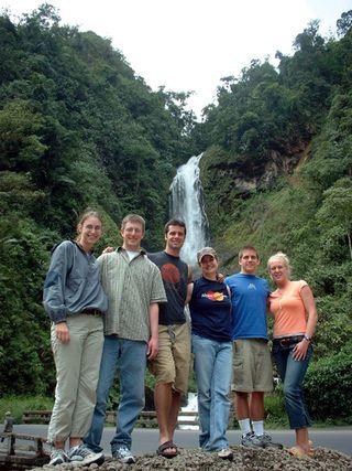 Teen_ecuador_waterfall